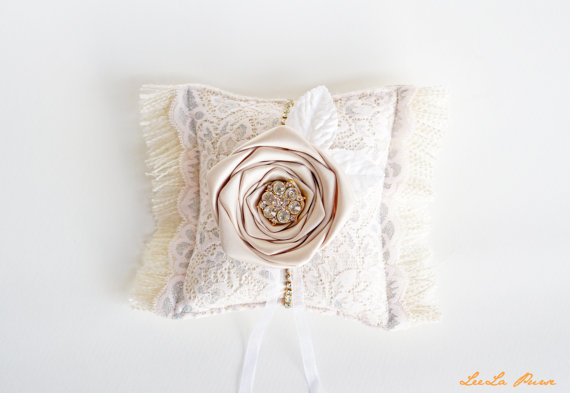 Mariage - Neutral &Pink Lace Burlap Ring Bearer Pillow, Great Gatsby inspired, Vintage Glamour wedding, French country, Neutral wedding
