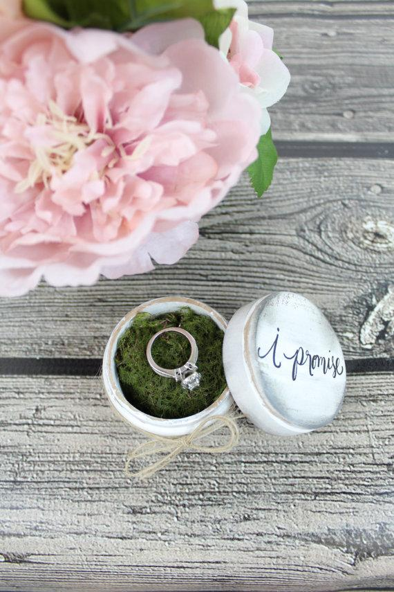 """Mariage - Rustic Ring Bearer Pillow Box with Mossy Interior // """"I Promise"""" // Rustic Weddings (RB-3)"""