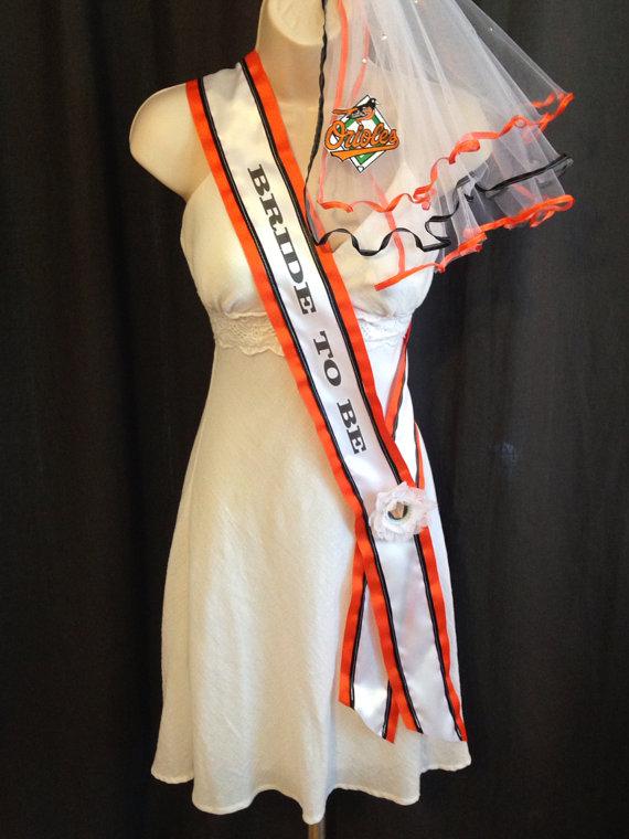 Свадьба - Baltimore Orioles Bachelorette Sash and Bachelorette Veil
