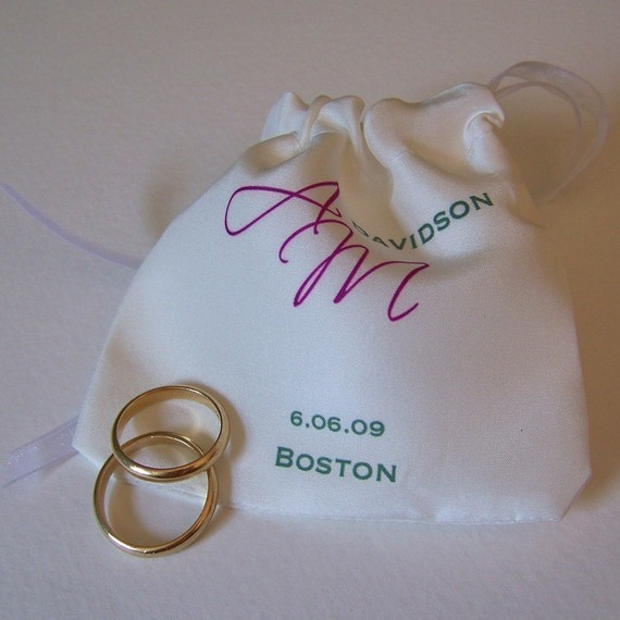 Mariage - Silk wedding ring pouch with personalized monogram for bride and groom, RUSH