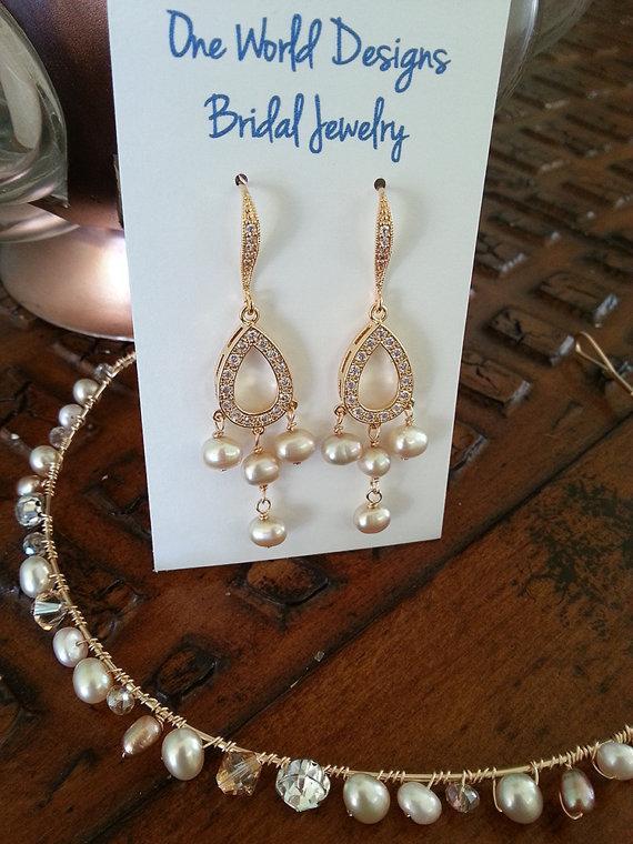Свадьба - Bridal Pearl Earrings, Gold or Silver Chandelier Dangle Earrings, Wedding Jewelry, Bridesmaid Gift