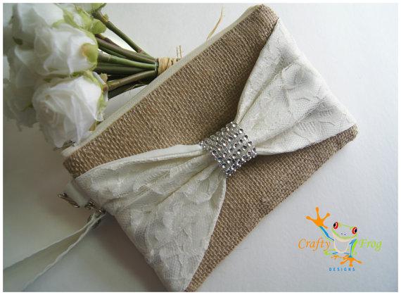 Hochzeit - Burlap Wristlet - Bridesmaids Gifts - Wedding Clutch - Burlap - satin lace - Lace Wristlet - Lace Bridesmaids gift