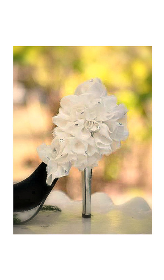 Mariage - Shoe Clip Off White / Ivory / Black Ruffle. Flower & Rhinestone Gem Shoe Clip. Bride Bridal Bridesmaid Party, Spring Wedding, FashionCouture