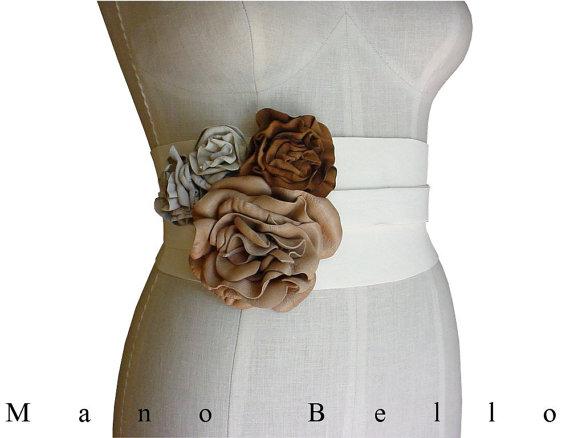 "Mariage - Ivory Floral Rustic Wedding Dress Belt, Leather Flower Corset Belt, small medium 25.5 - 32"" waists"