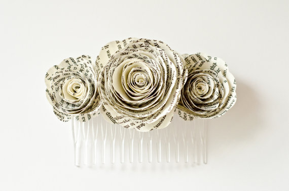 Mariage - Book Page Flower Hair Comb Accessory for Brides and Bridesmaids - Paper Wedding - Harry Potter, Pride & Prejudice, Lord of the Rings, etc.