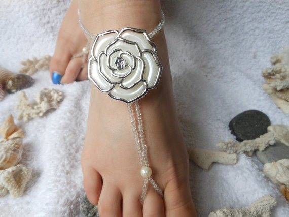 Mariage - Barefoot Sandals Beach Wedding   Yoga Shoes Foot Jewelry  Beads Pearls Flowers