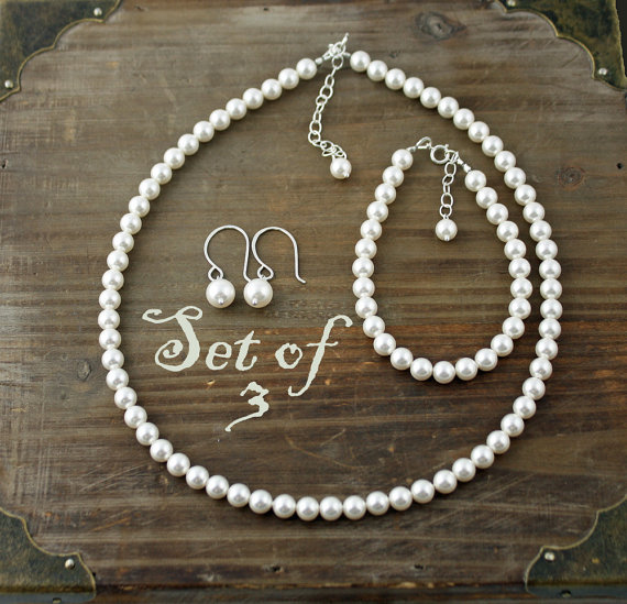 Mariage - Bridal Party Jewelry, Set of 3, Swarovski Pearl 3 Piece Sets, Necklace, Earrings, and Bracelet, You Choose your Color, Bridal Party Set