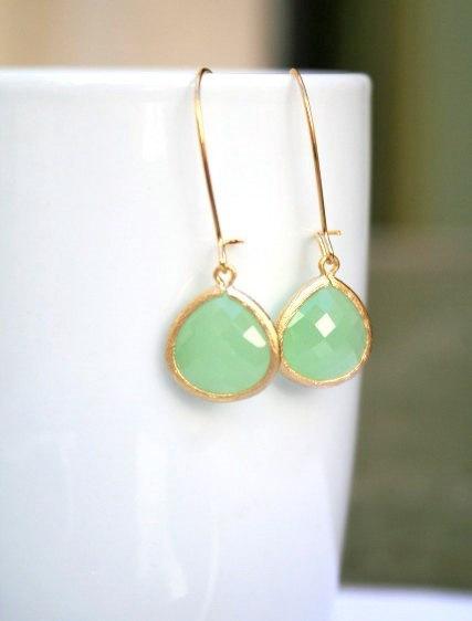 Mariage - Gold Mint Earrings. Mint Green Earrings. Drop Earrings.Light Mint Earrings. Bridesmaids Jewelry. Bridal Jewelry.Wedding.Bridesmaids Earrings