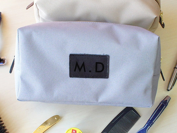 Свадьба - Monogram Dopp Kits - Custom, Groomsmen, Personalized