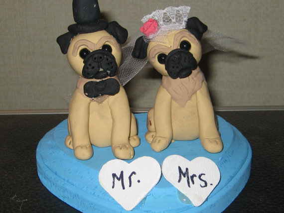 زفاف - Custom Made Pug Wedding Cake Toppers /Bride and Groom/ Pug Dogs/ Dog Wedding/ polymer clay topper/ Custom made for you can be personalized
