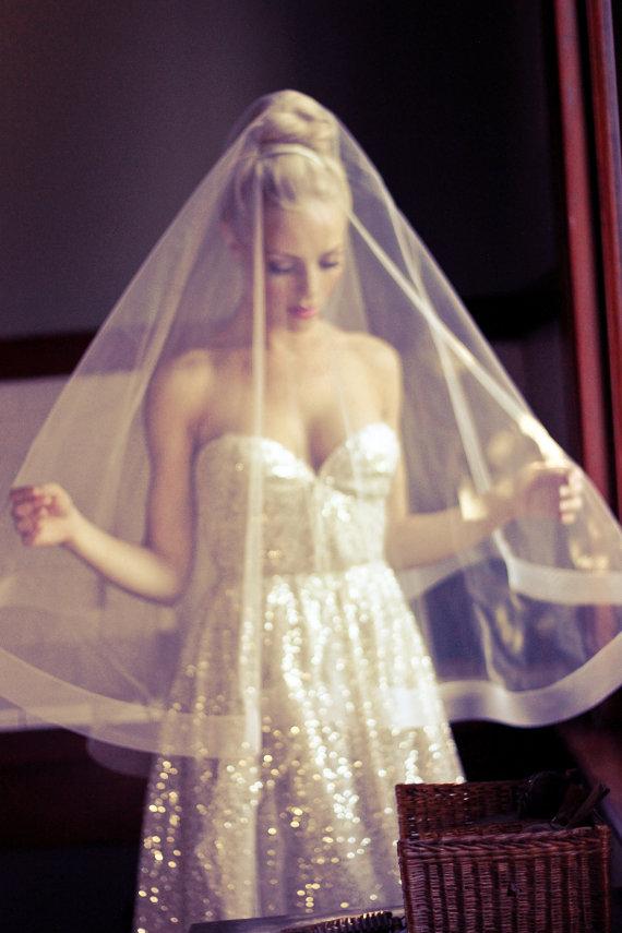 "Свадьба - Drop Wedding Veil with 2"" Thick Horsehair Border, Ivory Bridal Illusion Veil w/ Blusher and Large Ribbon Edge, Style: 2"" Horsehair #1203-2"