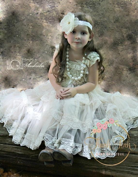 Свадьба - Flower girl dress , Ivory lace flower girl dress, rustic flower girl dress,baby dress, Girls dress, 1st bithday outfit, Baptism dress.