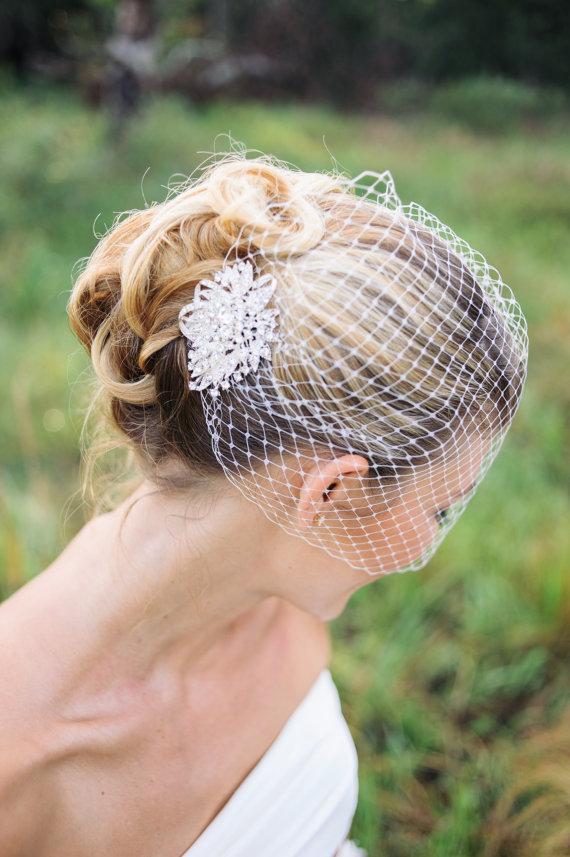 Hochzeit - wedding veils, Birdcage veil with rhinestone comb- JADA