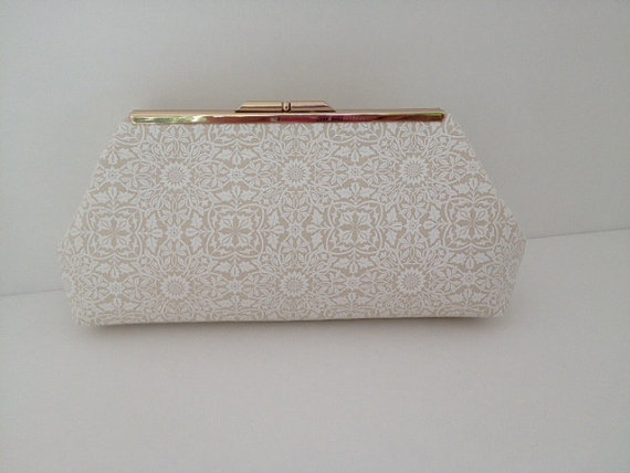 Hochzeit - Beige Cream Print Clutch Purse with Silver Finish Snap Close Frame, Wedding, Bridesmaid, Neutral, Damask, Special Occasion, Bag,