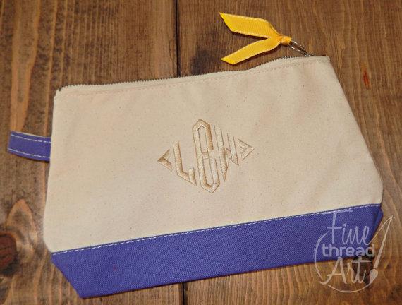 Hochzeit - Monogram Canvas Make-Up Cosmetic Bag Clutch Bridal Party Wedding Bridesmaids Teachers