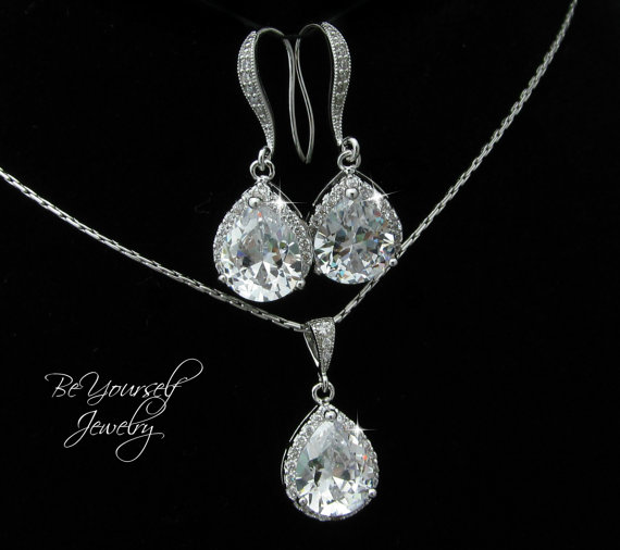 Bridal Earrings Necklace Set Cubic Zirconia Teardrop Matching Sparkly White Crystal Hypoallergenic Bridesmaid Gift Wedding Jewelry