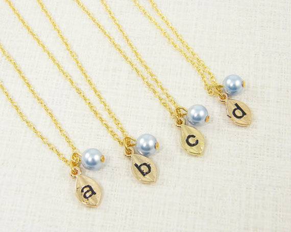 Mariage - Personalized Bridesmaid Necklace Blue Pearl Bridal Jewelry Bridesmaid Gifts Light Blue Wedding Initial Pendant
