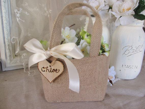 Свадьба - Burlap Flower girl basket. Rustic custom flower girl bag.  Shabby chic wedding accessory.