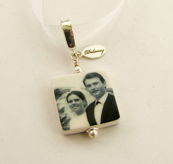 Mariage - BC3 - Bridal Bouquet Photo Charm - Small Personalized Memorial Photo Pendant