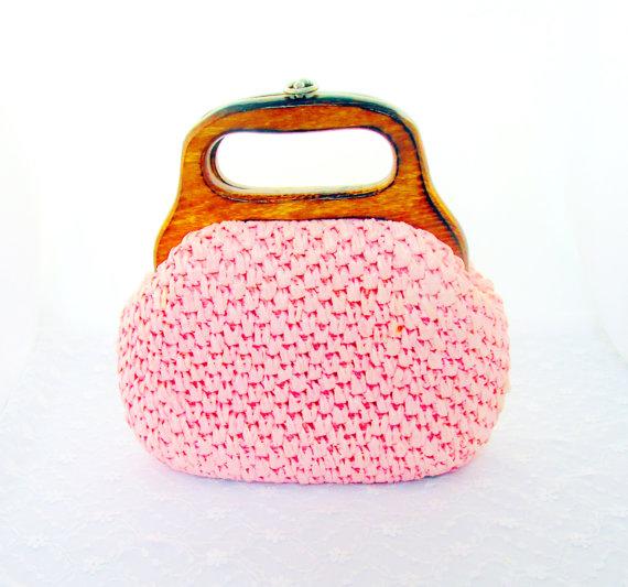 Mariage - Vintage Clutch  Hand Bag Pink Pressed Straw Wood Handle Wedding Bridal  Item 1370