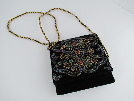 Свадьба - Black Beaded Handbag 1920s Style Clutch Purse Bag Art Deco Beaded Purses and Bags Wedding Formal Black Beaded Clutches