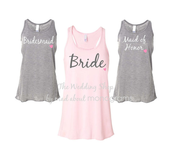 Свадьба - 7 Bridal Party Flowy Racerback Tank Tops, Bride Shirt, Bridesmaid Shirts, Bachelorette Party Tank Tops, Maid of Honor Shirt - Set of Seven