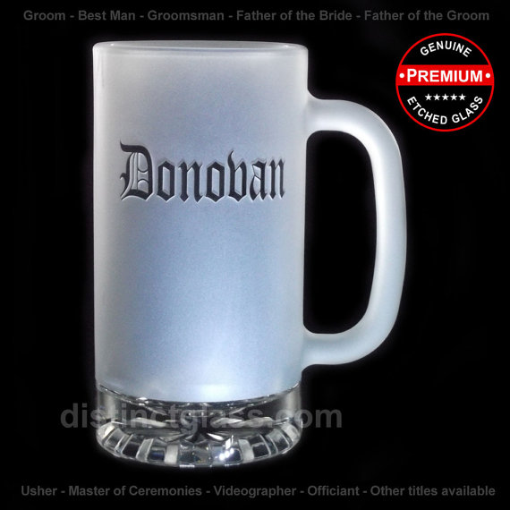 Свадьба - Wedding Gifts for Groomsmen - FROSTED Old English Name-Style BEER Mugs - 16oz Etched Glass