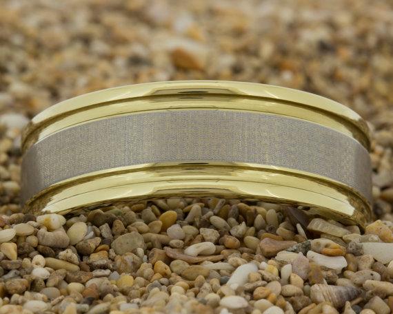Mariage - Tungsten Wedding Band, Men's Ring, Tungsten Ring, Jewelry, Ring, Black Tungsten Ring, Gold Tungsten Ring, Free Engraving, Free Shipping