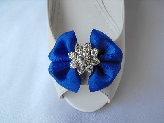 Hochzeit - Handmade bow shoe clips with rhinestone center bridal shoe clips wedding accessories in royal blue
