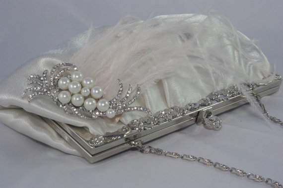 Свадьба - Ivory Wedding Handbag Clutch With Pearls, Ostrich Feathers - Ivory Ostrich Feather and Pearl Bridal Clutch - Bridal Handbag - Bridal Clutch