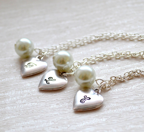 Свадьба - Set of 6 Personalized Bridesmaids necklaces Set of six Bridesmaids gifts Weddings Bridesmaid jewelry Flower girl Romantic Heart necklace