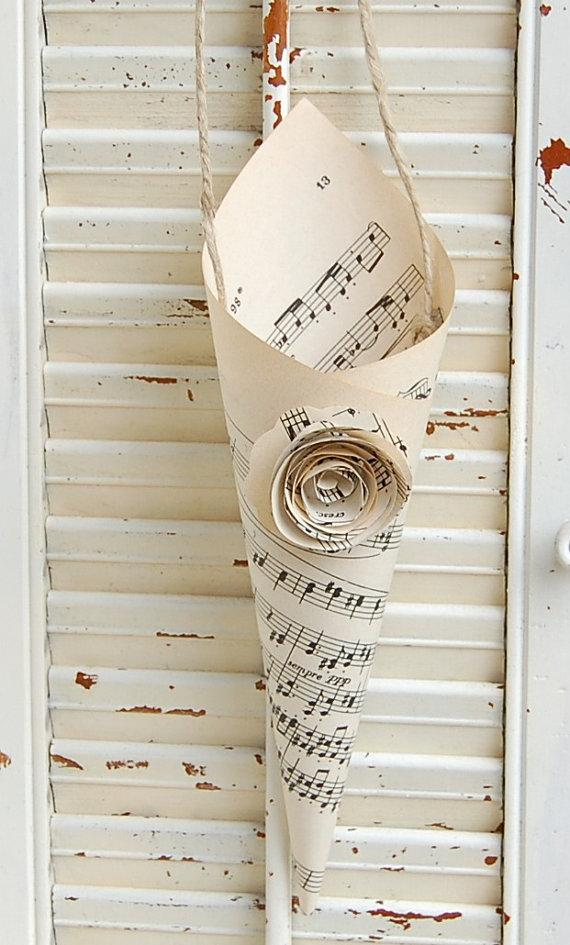 Wedding - Ten Pew Decor / Wedding Cones / Vintage Sheet Music Cones / Music  Lovers Wedding Decor