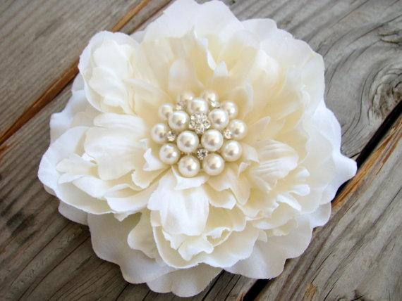 Hochzeit - Wedding Ivory Flower, Bridal Fascinator,Ivory Hair Piece,Flower Hair Clip,Ivory Peony,Rhinestone Pearls, Ivory Head Piece, Large Flower Clip