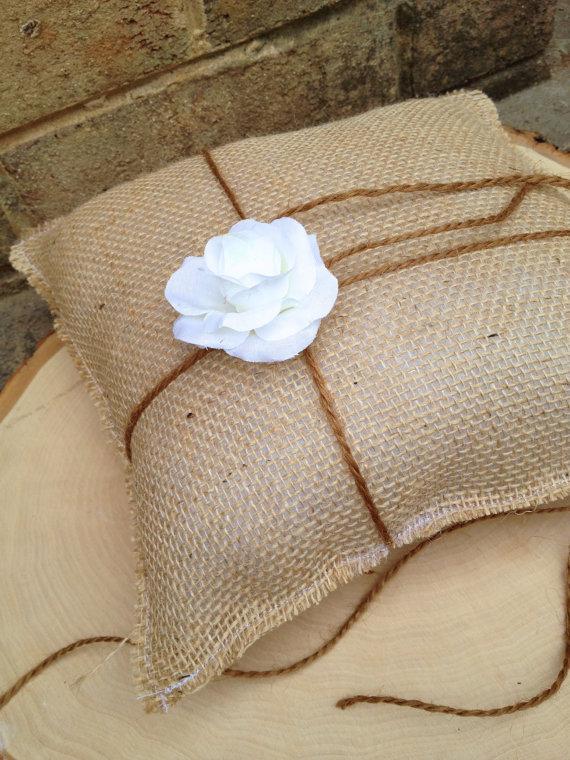 زفاف - Burlap Ring Bearer Pillow  - Rustic Burlap Ring Bearer Pillow - Woodland Barn Wedding - Simple Ring Bearer Pillow