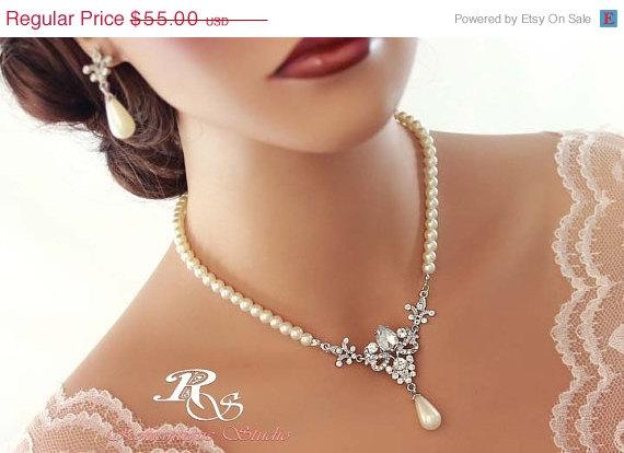 Свадьба - HUGE SALE Pearl bridal necklace SET, pearl wedding jewelry set, rhinestone bridal jewelry, vintage style necklace - pearl wedding necklace -