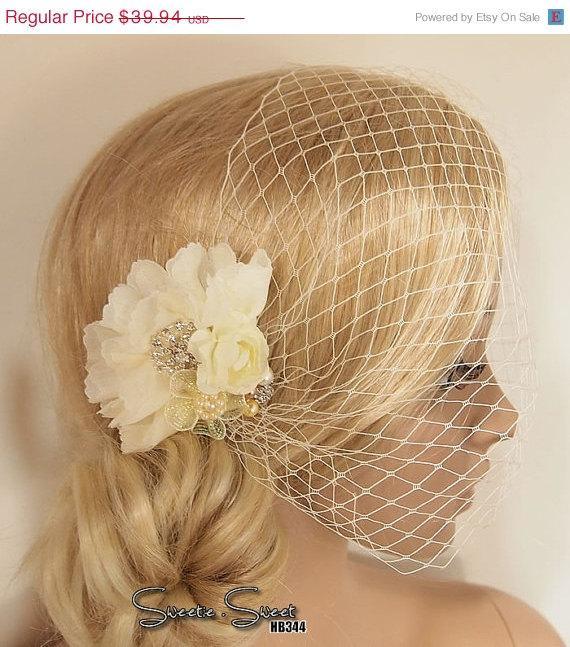Свадьба - ON SALE Bridal Veil, Wedding Veil, Bridal Comb, Face Veil, Birdcage Veil, mini veil, Blusher veil, lace Flower Fascinator, Head piece