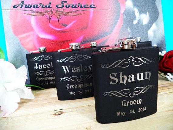 زفاف - Set of 8 Black Groomsman Flasks - Groomsmen Gift Flask - Free Engraving - Tuxedo, Initials, Scroll, Mustache, and Monogram Designs