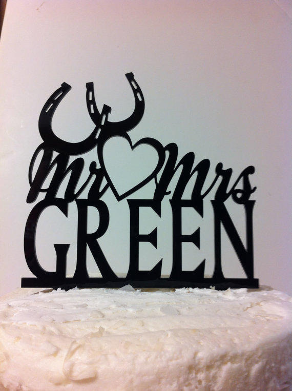 Mariage - Acrylic Personalized Monogram  Open Heart And Horseshoes  Mr & Mrs YOUR Surname, YOUR Last Name Custom Wedding Cake Topper