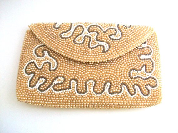 Mariage - Vintage Purse, Vintage Clutch, Ivory Vintage Purse, Vintage Evening Bag, Beaded Purse, Ivory & White, Wedding Purse, Bridal Accessories