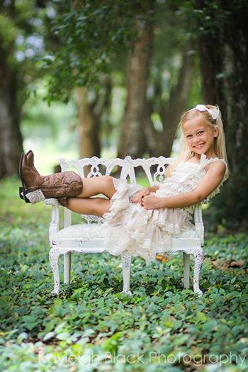 Свадьба - Flower Girl Dress-Chiffon Lace dress- Champagne Girls Dress Cream dress- Lace dress- Rustic Girls Dress- Baby Lace Dress- Junior Bridesmaid