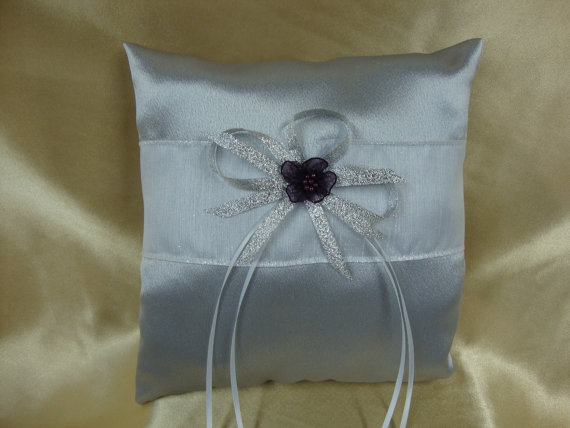 زفاف - Silver and Eggplant Ring Bearer Pillow with Eggplant Color Flower Deco