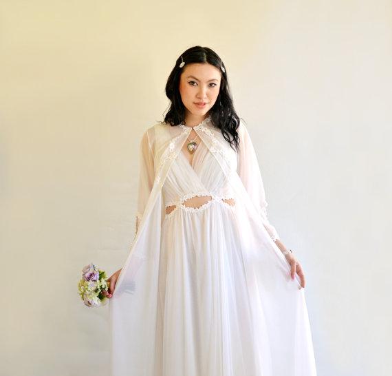 Свадьба - Bridal Set Vintage White Chiffon Nightgown Peignoir S Cahill Lingerie Keyhole Grecian Rare