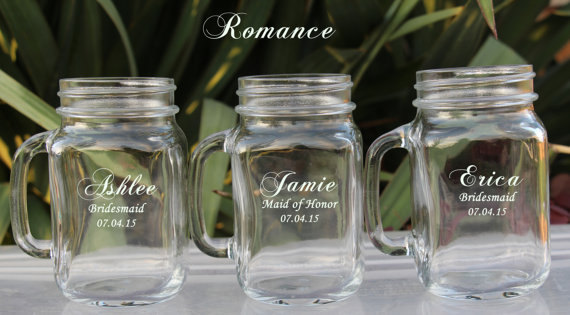 Свадьба - 6 Mason Jar Wedding Glasses , Groomsmen Gift, Wedding Party Personalized Mugs with Handle, Groomsmen Favor, Bridesmaid Gift, Mason Jar