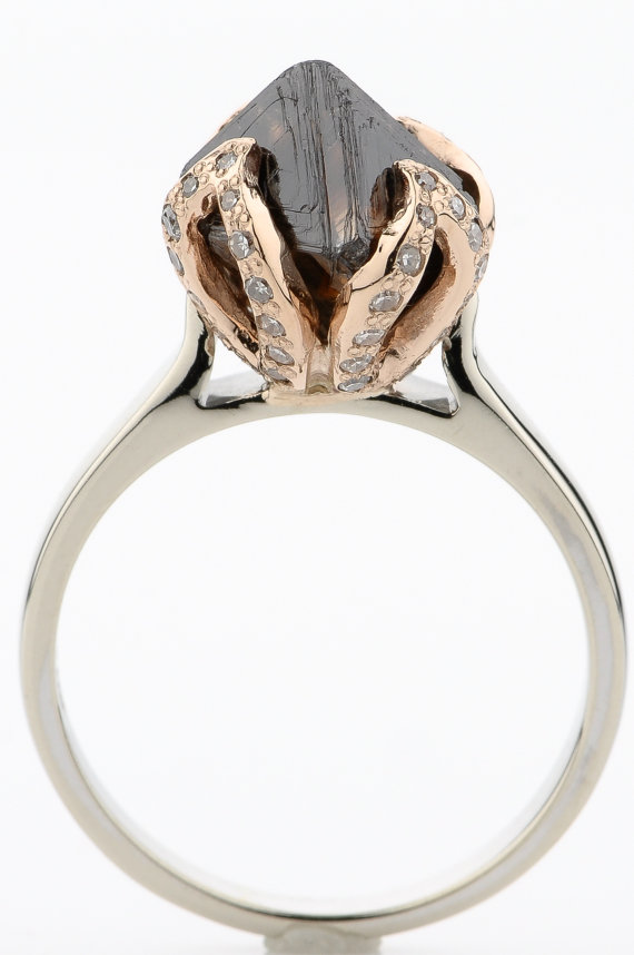 Свадьба - 4.56 CT Large Octahedron Cognac Gem Grade Rough Diamond 14K Gold Custom Engagement Ring