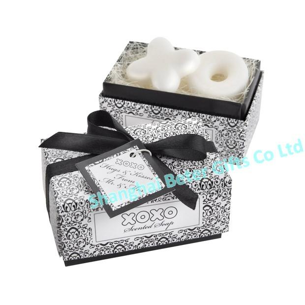 "Hochzeit - ""Hugs and Kisses from Mr and Mrs!"" Scented Soaps"