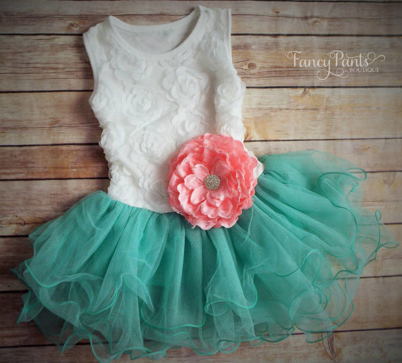 Свадьба - White & Caribbean green Toddler Girls Tutu Dress,  Flower Girl dress, Easter Dress Outfit, Birthday Dress, Beach Wedding Spring
