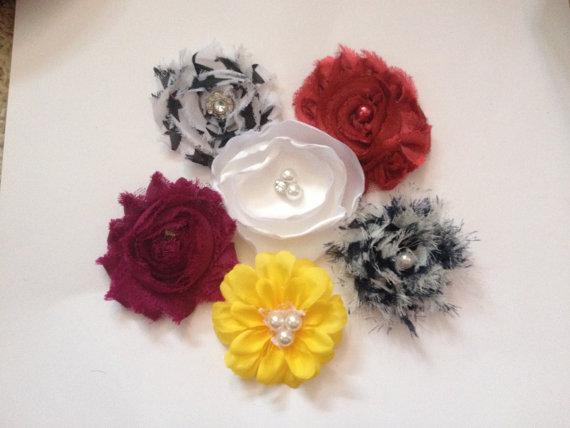 Mariage - Fancy DOG FASHION slip on Flowers for Collar, Lot of 6, diva dog, wedding, photos, everyday wear Princess puppy