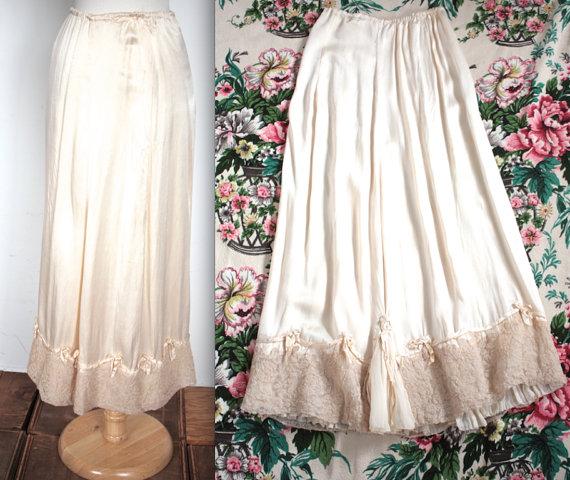 Wedding - Vintage Edwardian Lingerie // 1910s Art Nouveau Ivory Silk Skirt Slip with Bows // Ophelia // DIVINE
