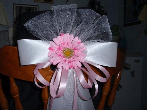 Mariage - 10 Pink White Gerbera Daisy Flower Pew Bows Wedding Decorations Bridal