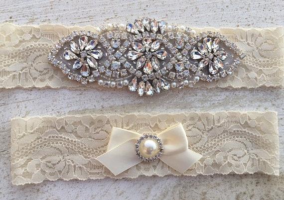Свадьба - Wedding Garter SET / Pearl Rhinestone Wedding Garter Set / Ivory Wedding Garter Set / Ivory Lace Wedding Garter